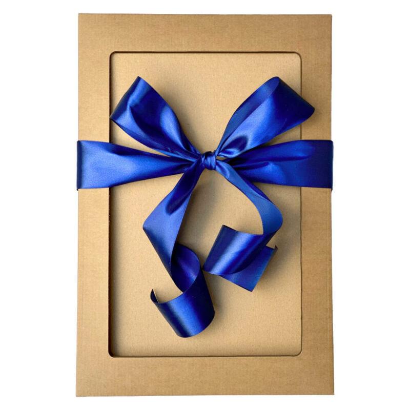 Ajándékdoboz kék masnival